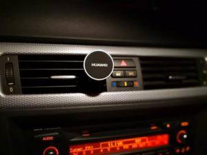 Huawei Car Kit Magnethalter montiert