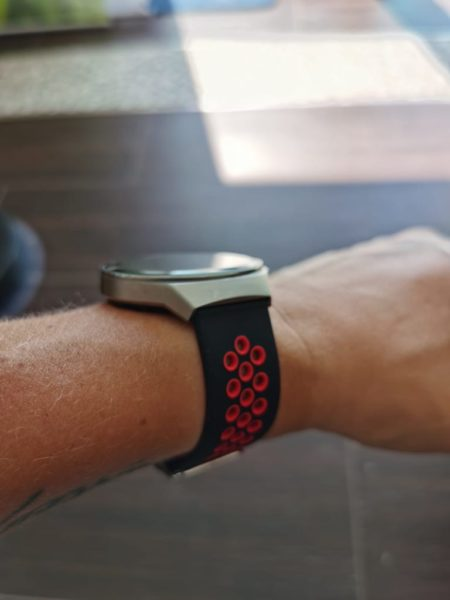HUAWEI Watch Gt2e - Armbänder im Test - rotschwarz Armband