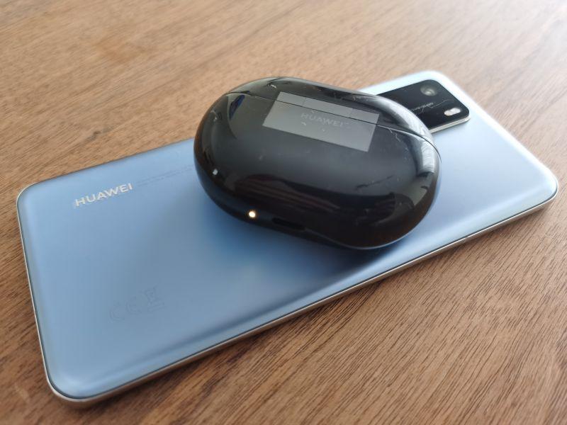 HUAWEI Freebuds Pro Reverse Wireless Charging