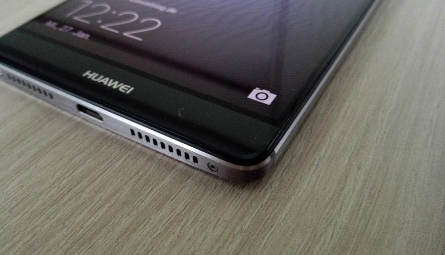 Huawei Mate 8 Ansicht schräg unten