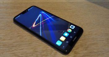 Huawei P20 Lite Vorderseite schräg