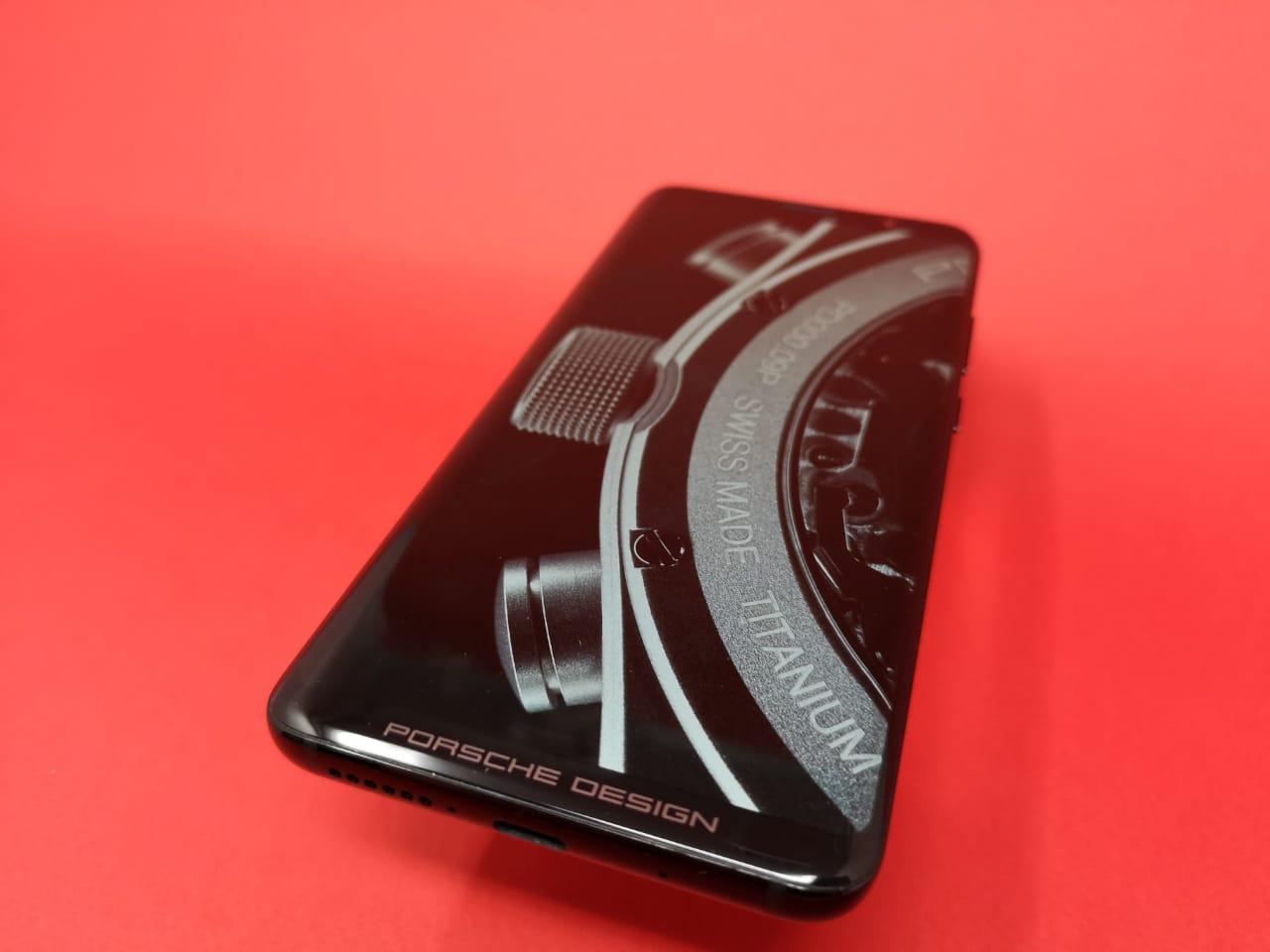Huawei_Mate_RS_Porsche_Design_front