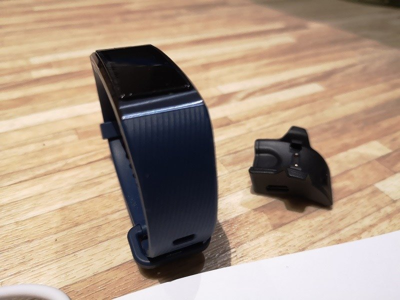 Huawei Band 3 Pro Unboxing